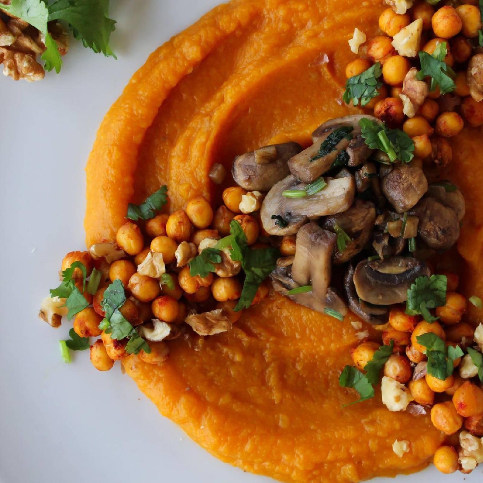 Puré de abóbora, grão crocante & cogumelos